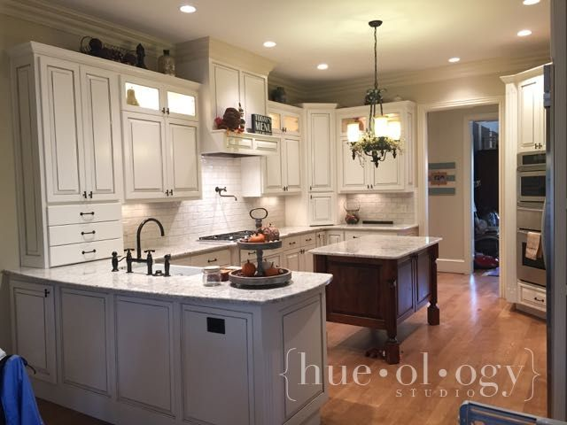 Painting The World One Hue At A Time Glazed Kitchen Cabinets Kitchen Cabinet Remodel Kitchen Cabinet Inspiration