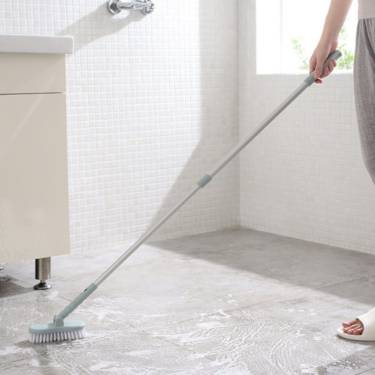 Retractable Bathroom Long Handle Brush Wall Floor Scrub Bathtub
