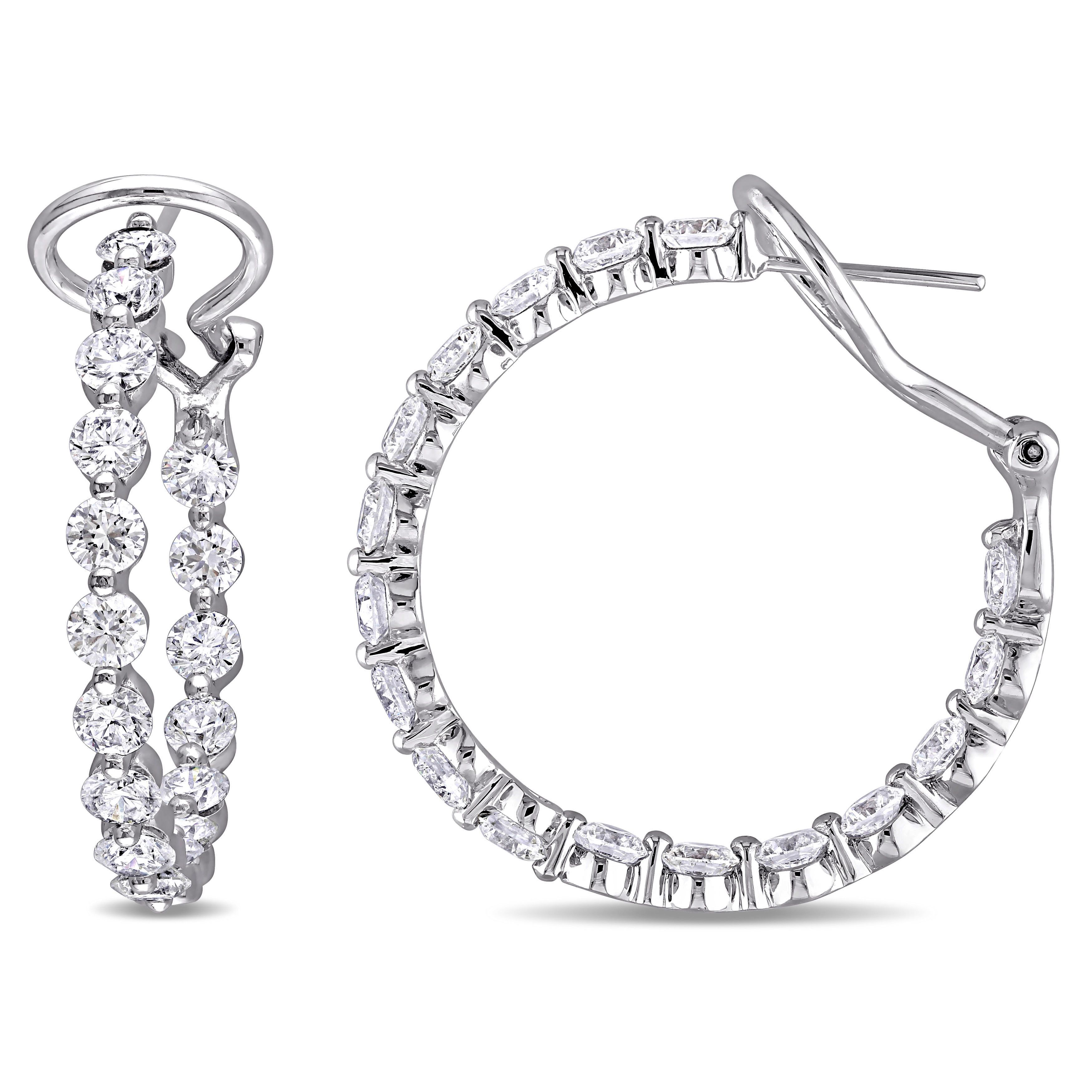 Wouldn't complain about these in my stocking!! Amazing discount. http://www.overstock.com/10647531/product.html?CID=245307