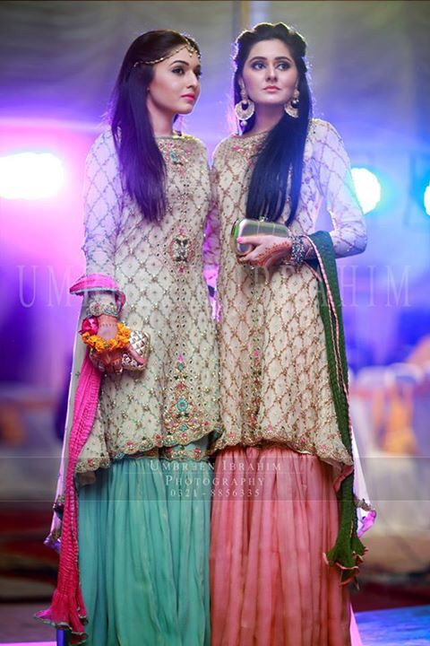3938ad8976 Sisters idea | Mehndi outfits & Ideas in 2019 | Dresses, Mehndi ...