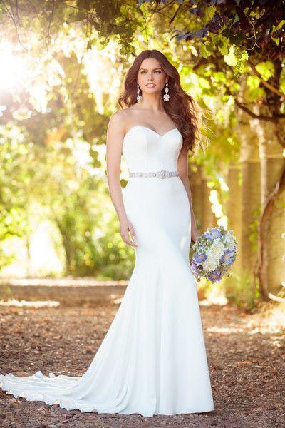 Sheath wedding dress idea - elegant sheath wedding dress with sweetheart neckline and the detachable belt. Style D2256 by @essensedesigns