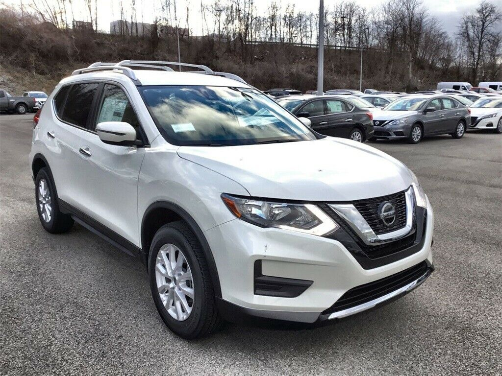 Used 2020 Nissan Rogue SV Pearl White Nissan Rogue with 0