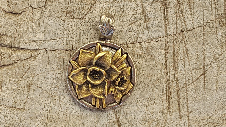 December Flower Pendantdecember Flower Of The Month Narcissus