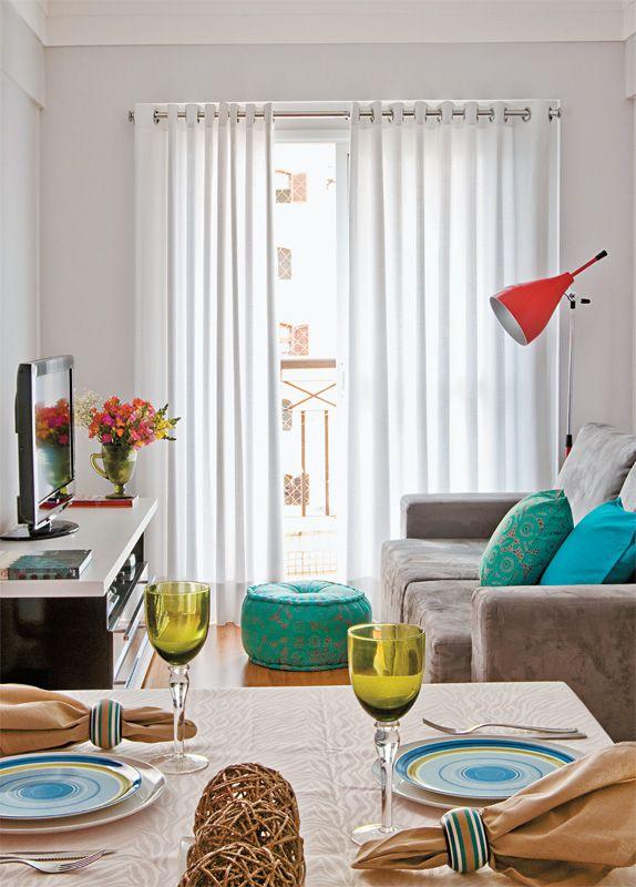 Salas Pequenas: mais de 40 ambientes cheios de estilo | Sofá pequeño ...
