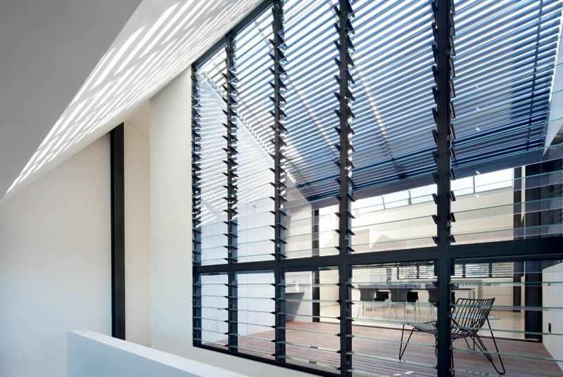Louvered outside pinterest louvre modern minimalist for Minimalist residential architecture