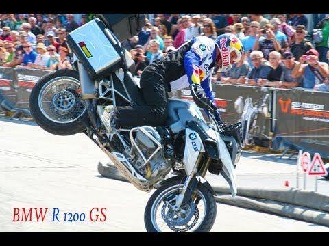 ▶ BMW R 1200 GS, BMW Motorrad Days 2013, Chris Pfeiffer, Stunt Riding, GS 1200, R 1200 GS LC - YouTube