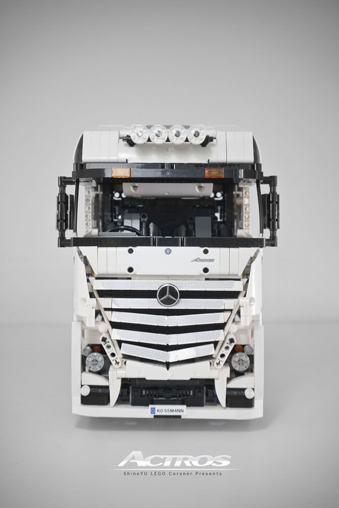 lego mercedes benz actros by shiny lego lego technic. Black Bedroom Furniture Sets. Home Design Ideas