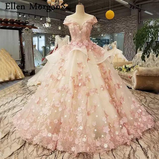 Vestidos de novia de princesa de encaje Rosa elegante 2019 vestidos de novia de flores negras africanas con encaje hasta el cuello Source by berndendter de princesa