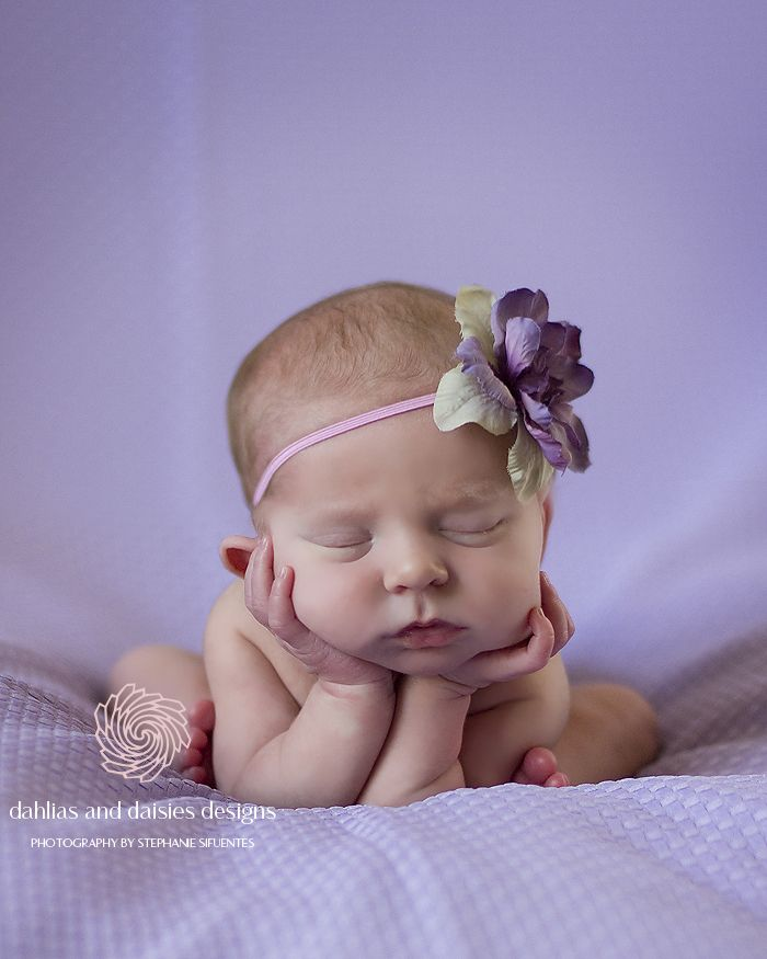 Dallas newborn photographer newborn girl