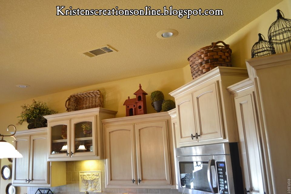 Google Image Result for http://3.bp.blogspot.com/-qlOxcUY8PYc/T_W_xUAD63I/AAAAAAAAIlQ/TihDm-epmfc/s1600/decorated%2Bcabinets.jpg