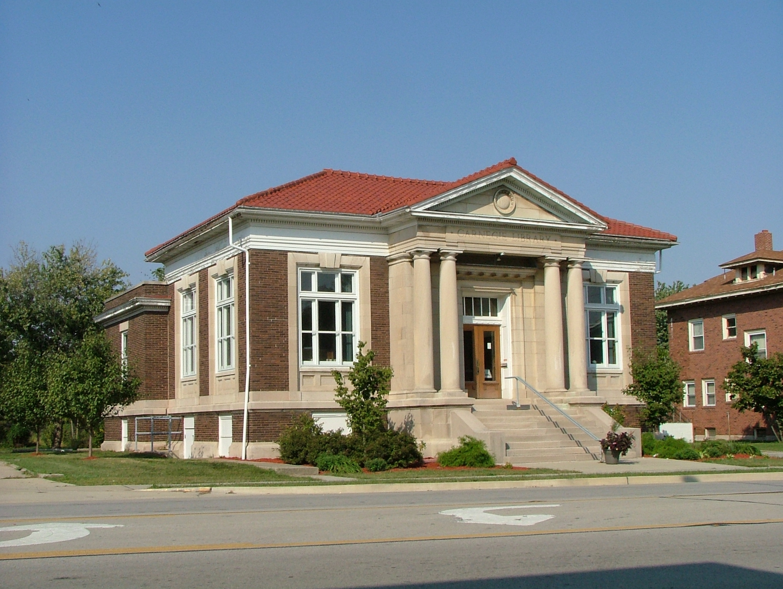 1910 Elwood Township Carnegie Public Library Ridge Farm Il Still In Use Carnegie Library House Styles Public Library