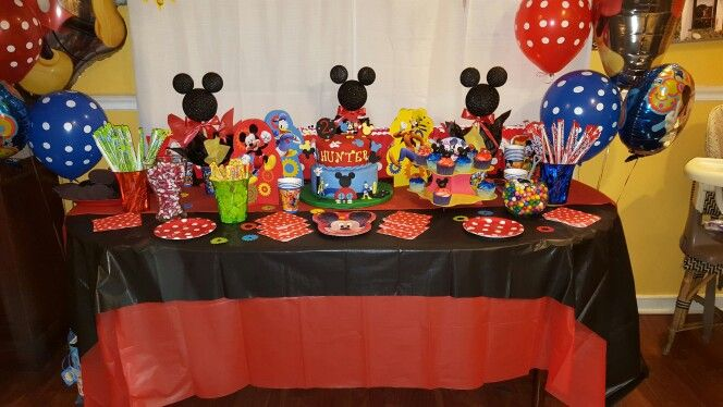 Mickey mouse clubhouse themed table decor