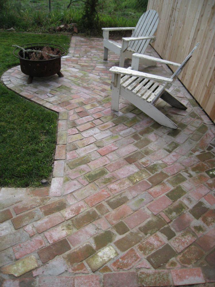 Diy Make Pathways From Used Brick Small Brick Patio
