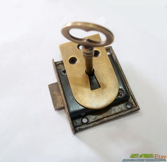 Set Vintage Solid Plate Key Hole And Key Lock With Antique Skeleton Keys Vintage Keys Antique Keys Key Lock