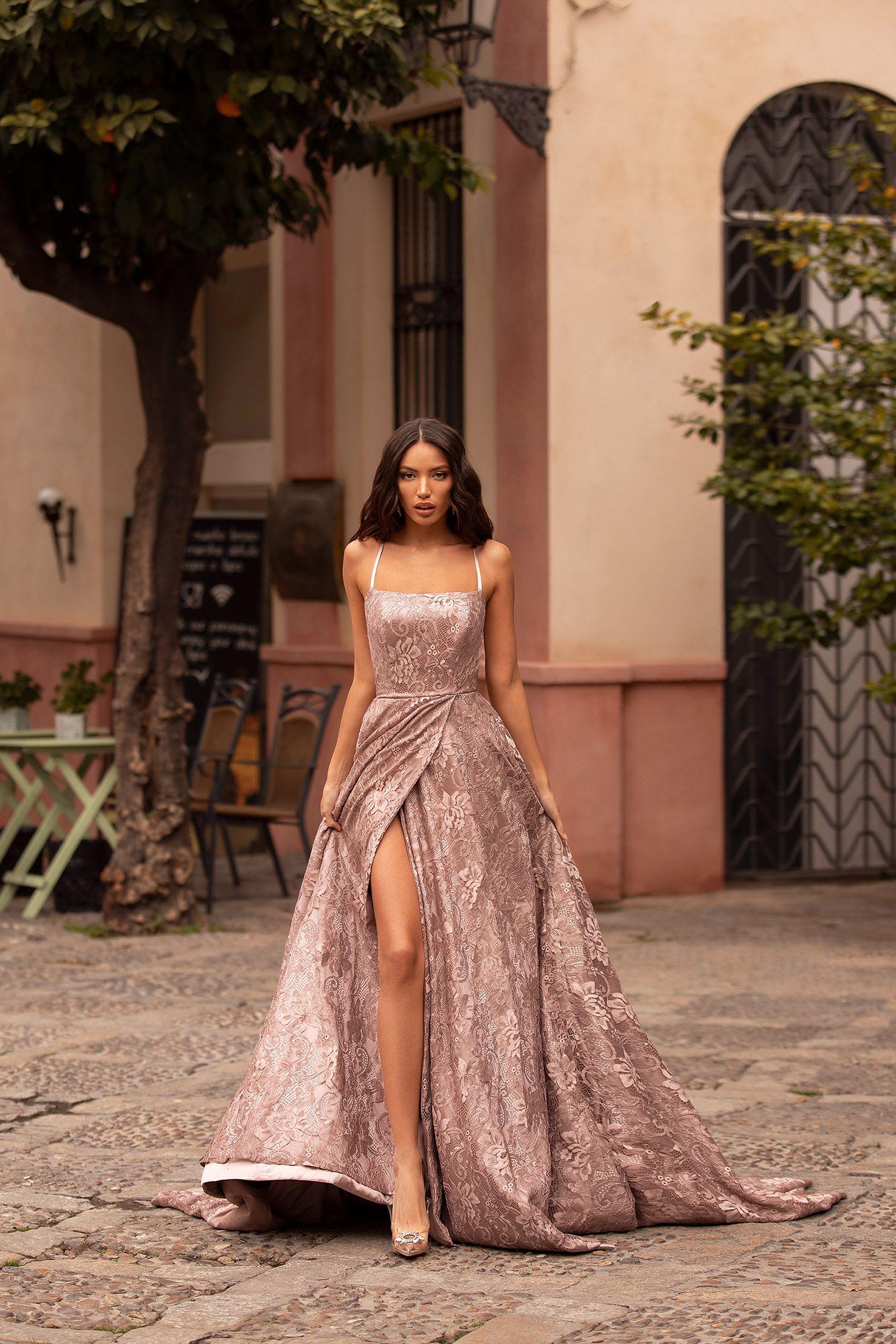 Georgina Lace Gown – Mauve