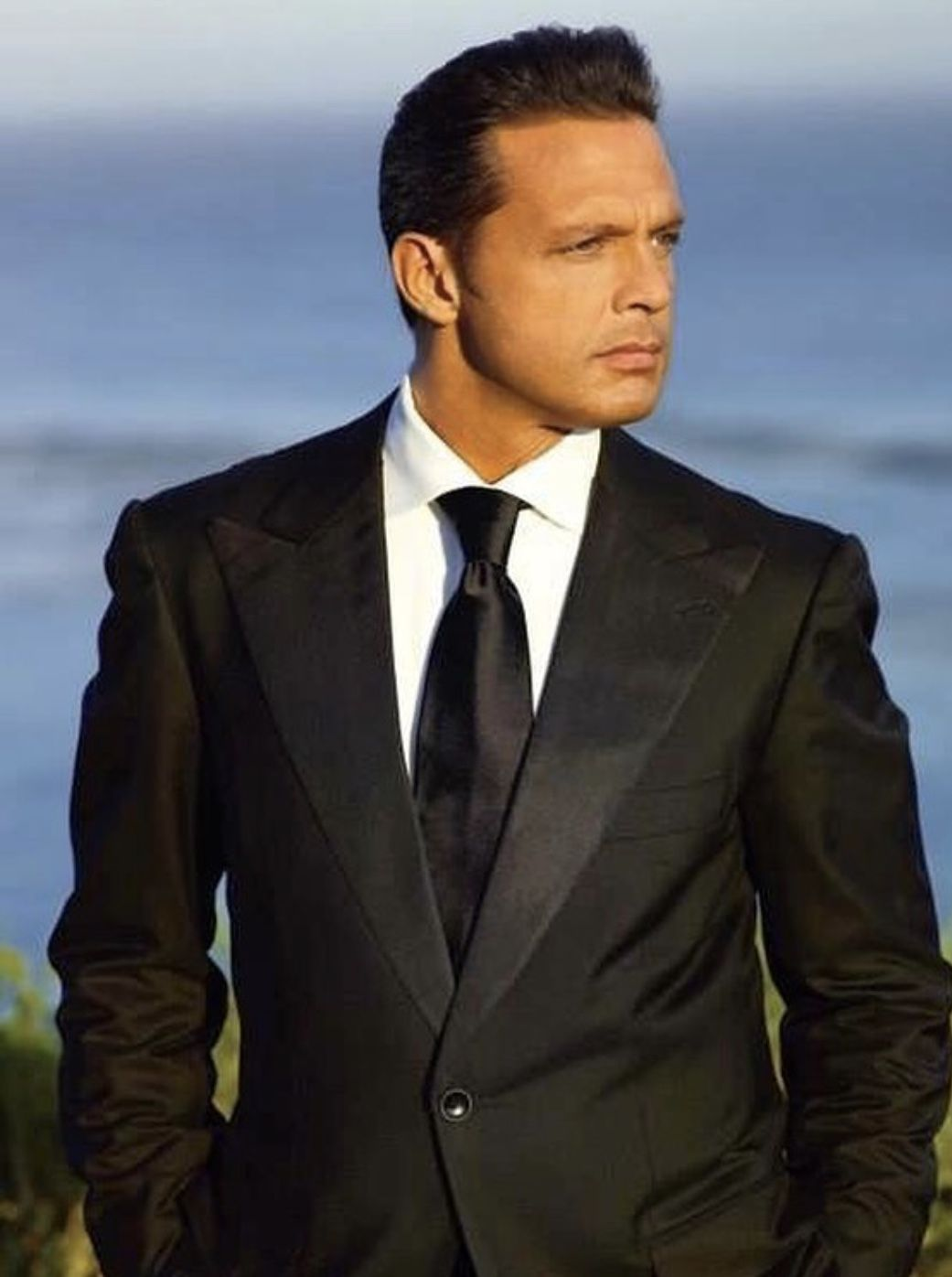 Pin By Krystal On Luis Miguel Luís Miguel Fashion Suit Jacket