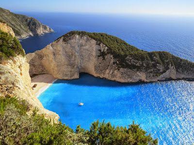 صور البحر 2020 خلفيات بحر وسفن للفوتوشوب Cool Places To Visit Best All Inclusive Resorts Beautiful Beaches