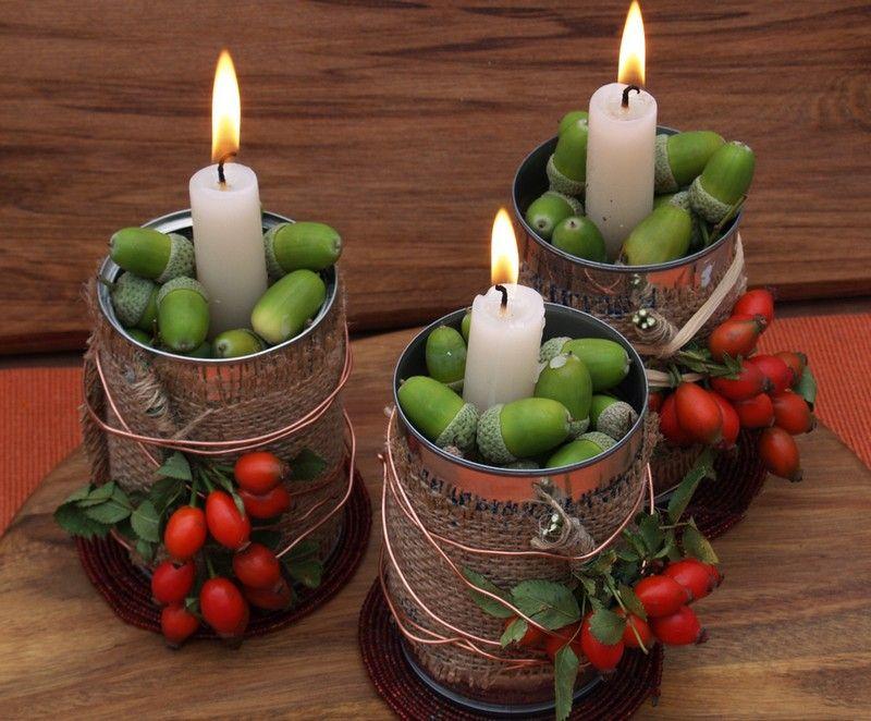 Herbstdeko mit Eicheln und Hagebutte -Kerzenhalter aus Blechdosen #herbstdekotisch