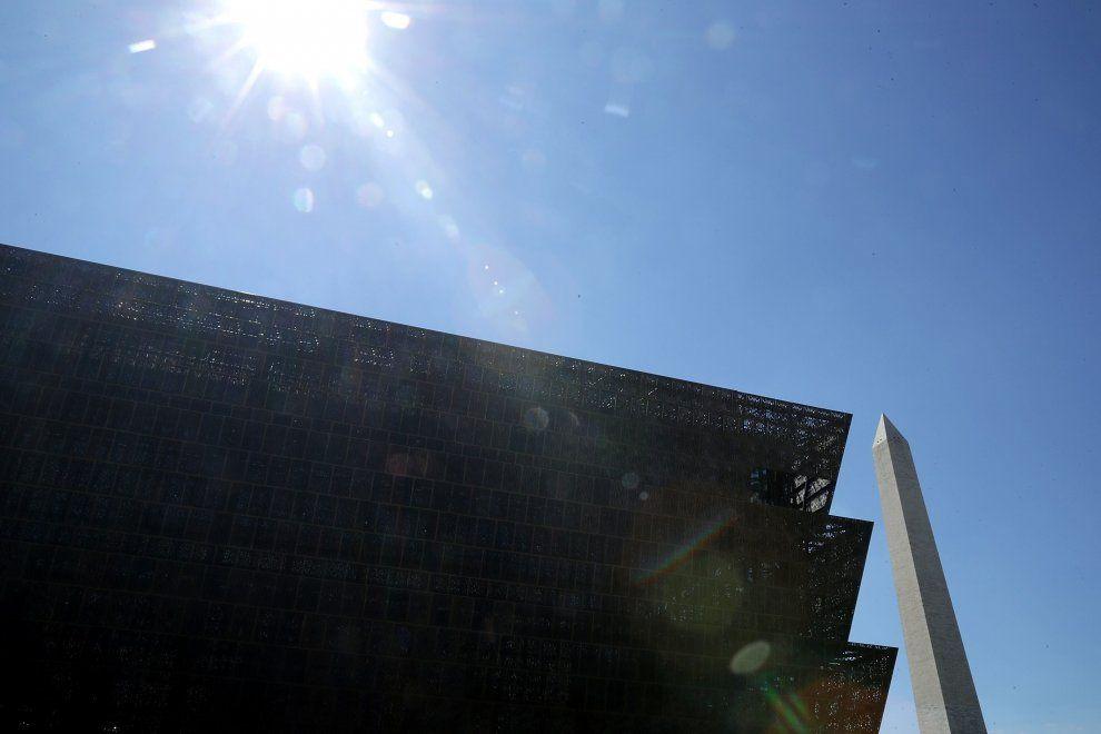 Il Museo nazionale di storia e cultura afro-americane verrà inaugurato da Barak…