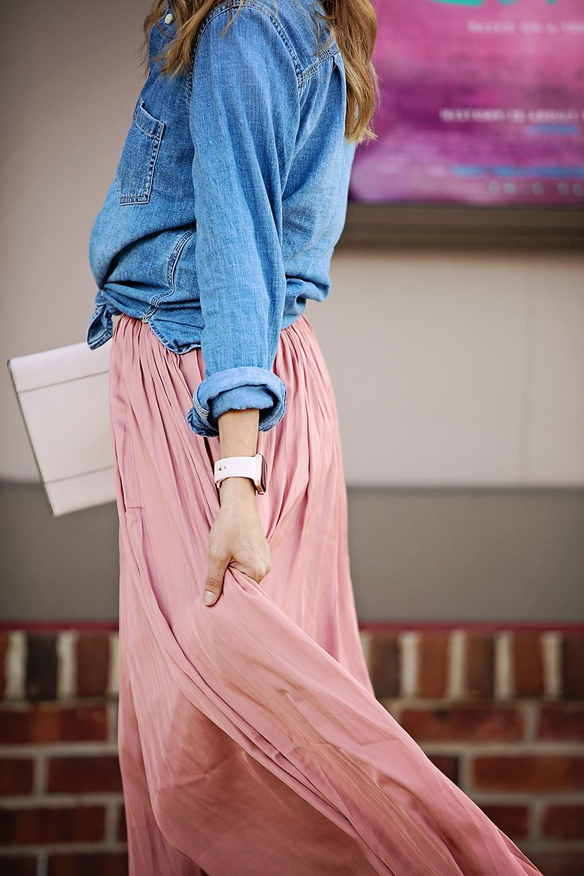 df8f932f The motherchic wearing j.crew point sur crinkle skirt and chambray Chambray  Skirt, Jeans