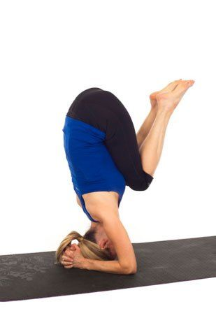 3 easy steps to do a headstand with images  exercise