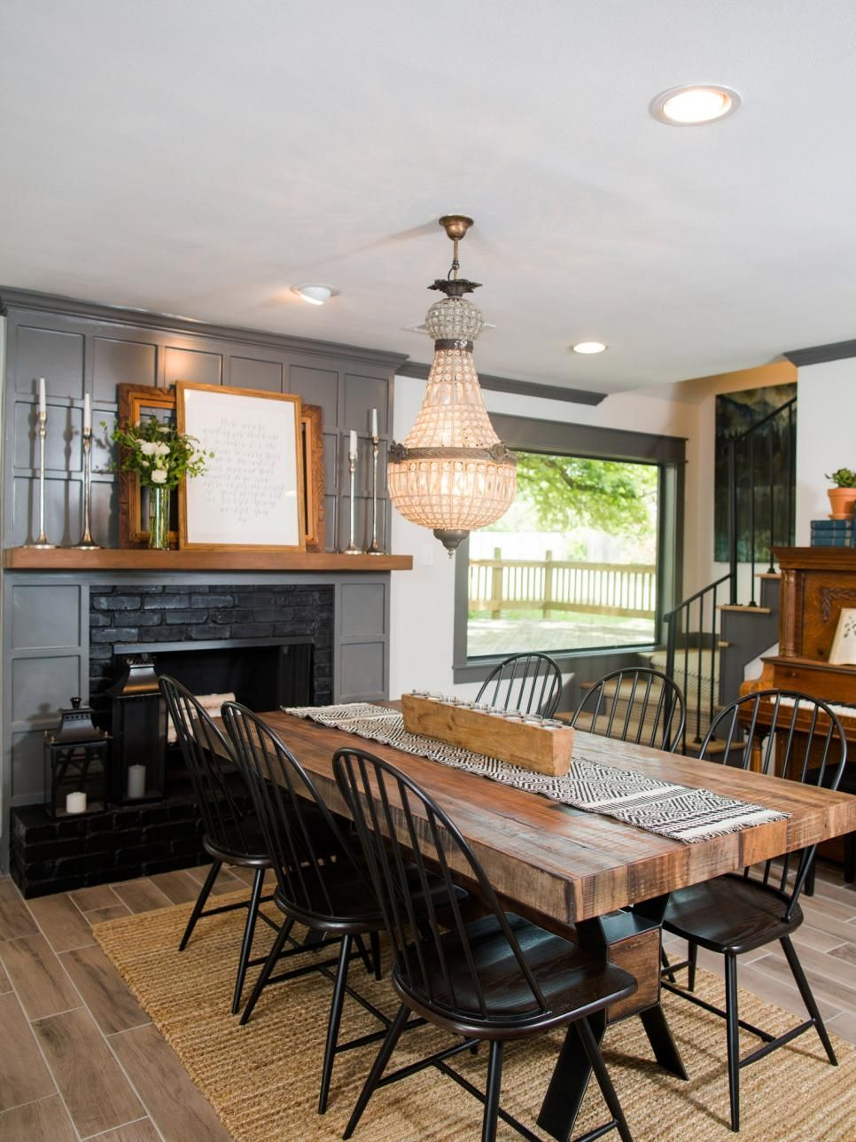 Dining Room Paint Ideas Pinterest: Fixer Upper: Old-World Charm For Newlyweds
