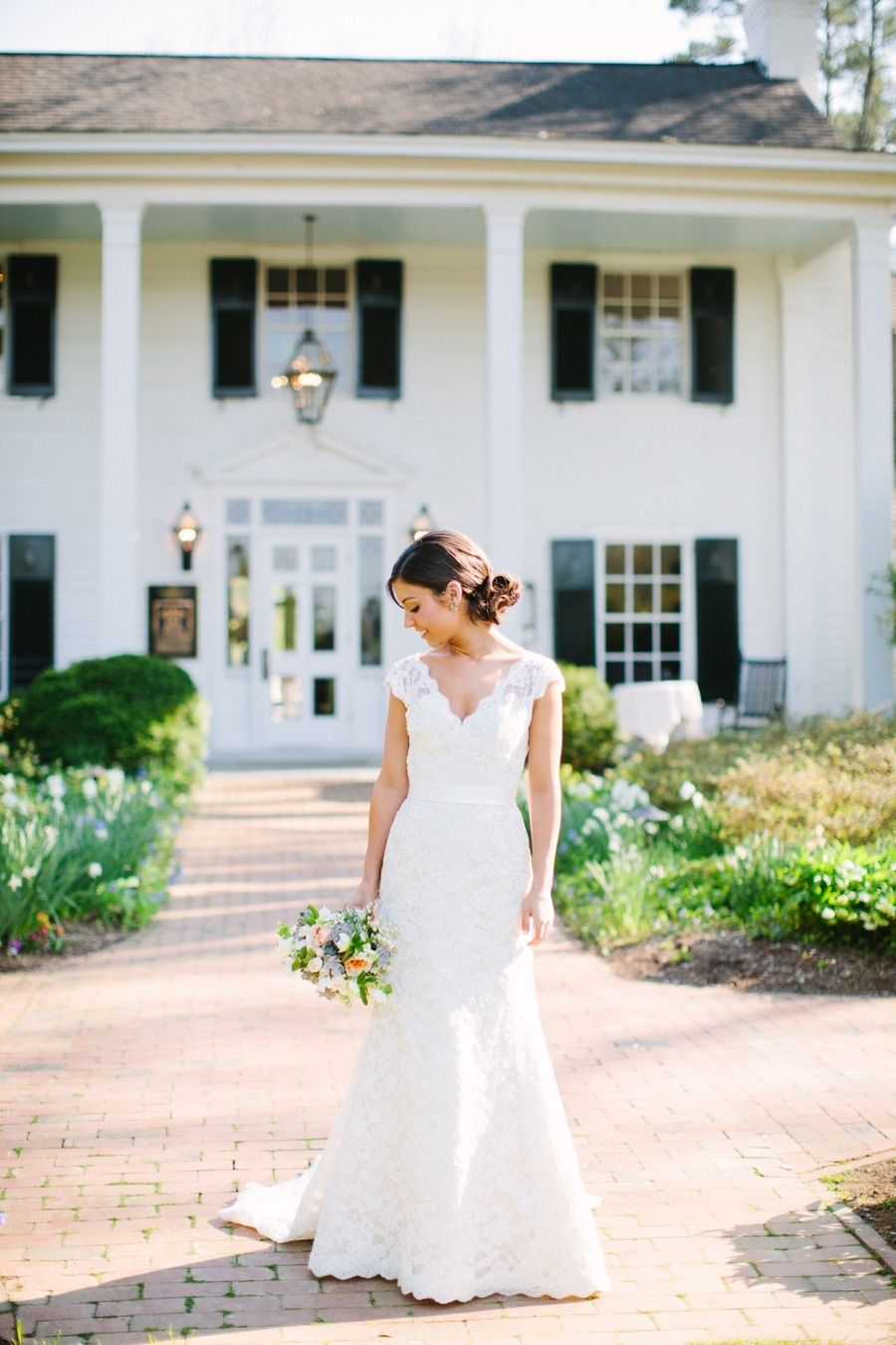Photography: Anna Routh Photography - annarouthphoto.com  Read More: http://www.stylemepretty.com/2014/07/14/spring-barn-wedding-in-chapel-hill/