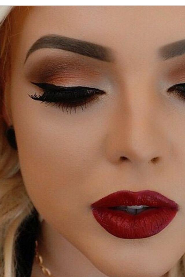 Celebrity makeup artist games