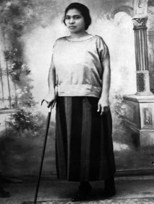 In 1930, when women weren't allowed to vote, Prudencia Ayala (1885-1936), of indigenous heritage, ran for president of El Salvador, making her the 1st woman in Latin America to do so. She ran on women's rights, suffrage, recognition of illegitimate children, public corruption, support of labor unions, & freedom of religion. The Supreme Court of El Salvador declared her campaign unconstitutional & denied her the right to run. In 1950 women were finally allowed to vote in El Salvador.