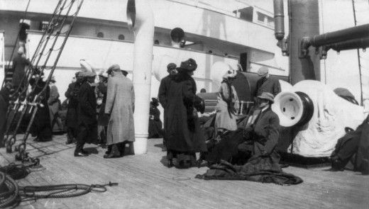 On the night of 14 April 1912 at around at 11:40 pm, while the Titanic was sailing about 400 miles (640 km) south of the Grand Banks of Newf...