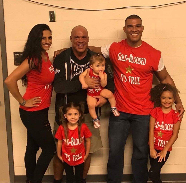 Kurt Angle His Family Kurt Angle Wwe Live Events Wwe Couples