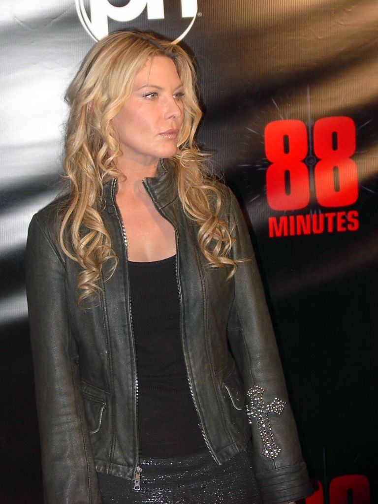 Deborah Kara Unger http://theflickchicks.com/images/Deborah_Kara_Unger_88_minutes_planet ...