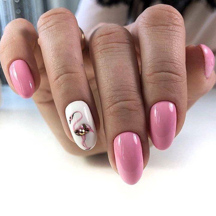 Hermosas u as con gelish rosa dibujo a mano alzada con for Cristales swarovski para decorar unas