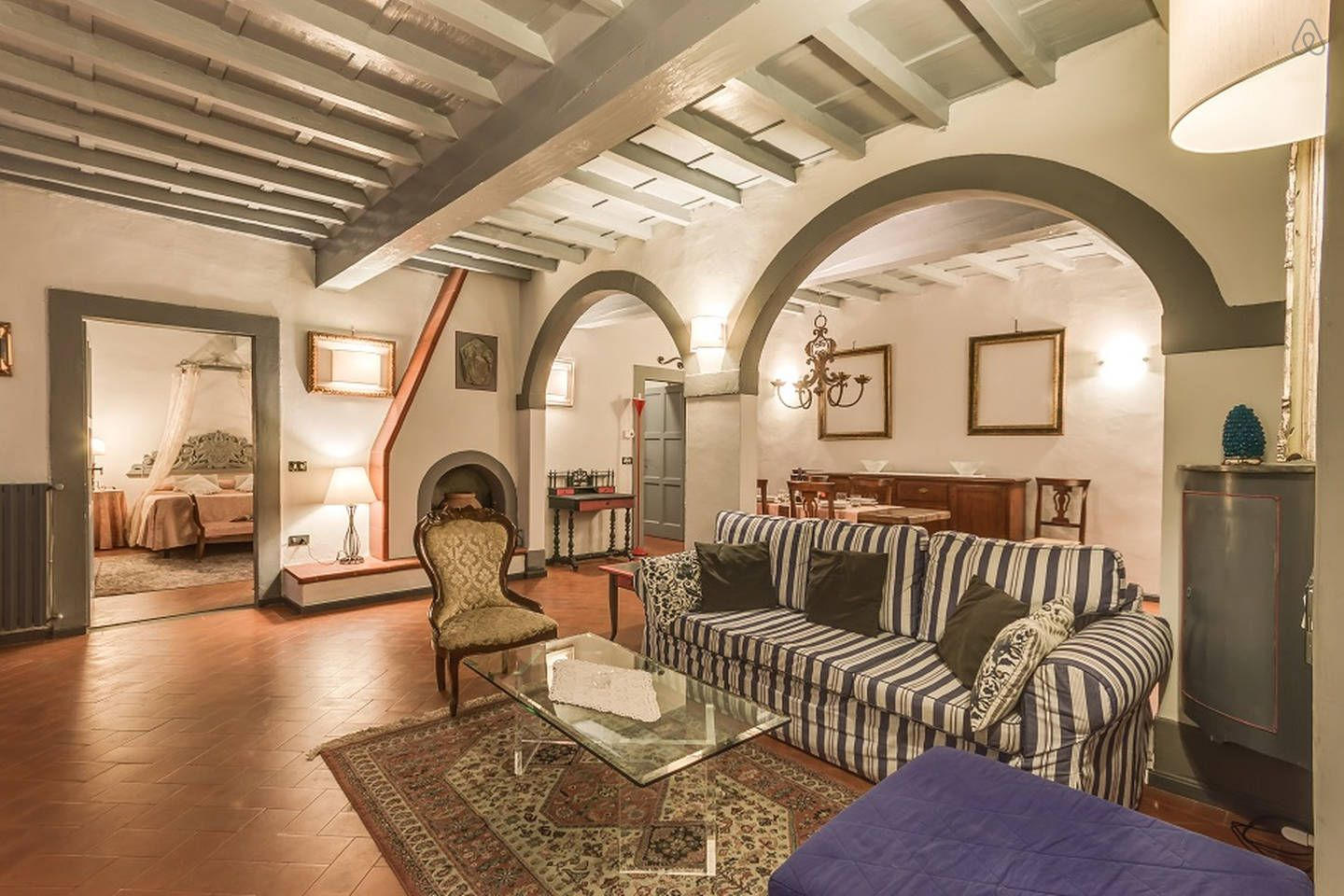 Beautiful 2 bdr in Old Tower in Florence