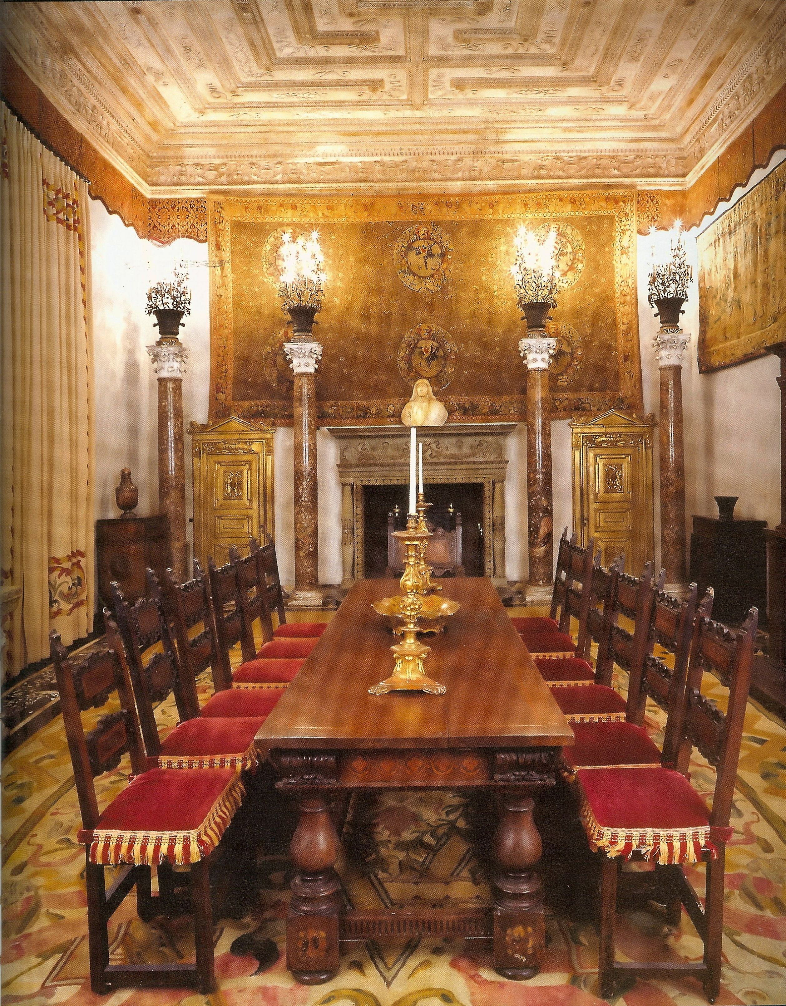 Historic house tour inside miamis vizcaya historic