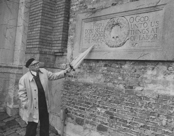 Elmer Taflinger points to a famous staying by Leonardo Da Vinci at The Ruins in Holliday Park. April 1976. Frank Fisse/The Star