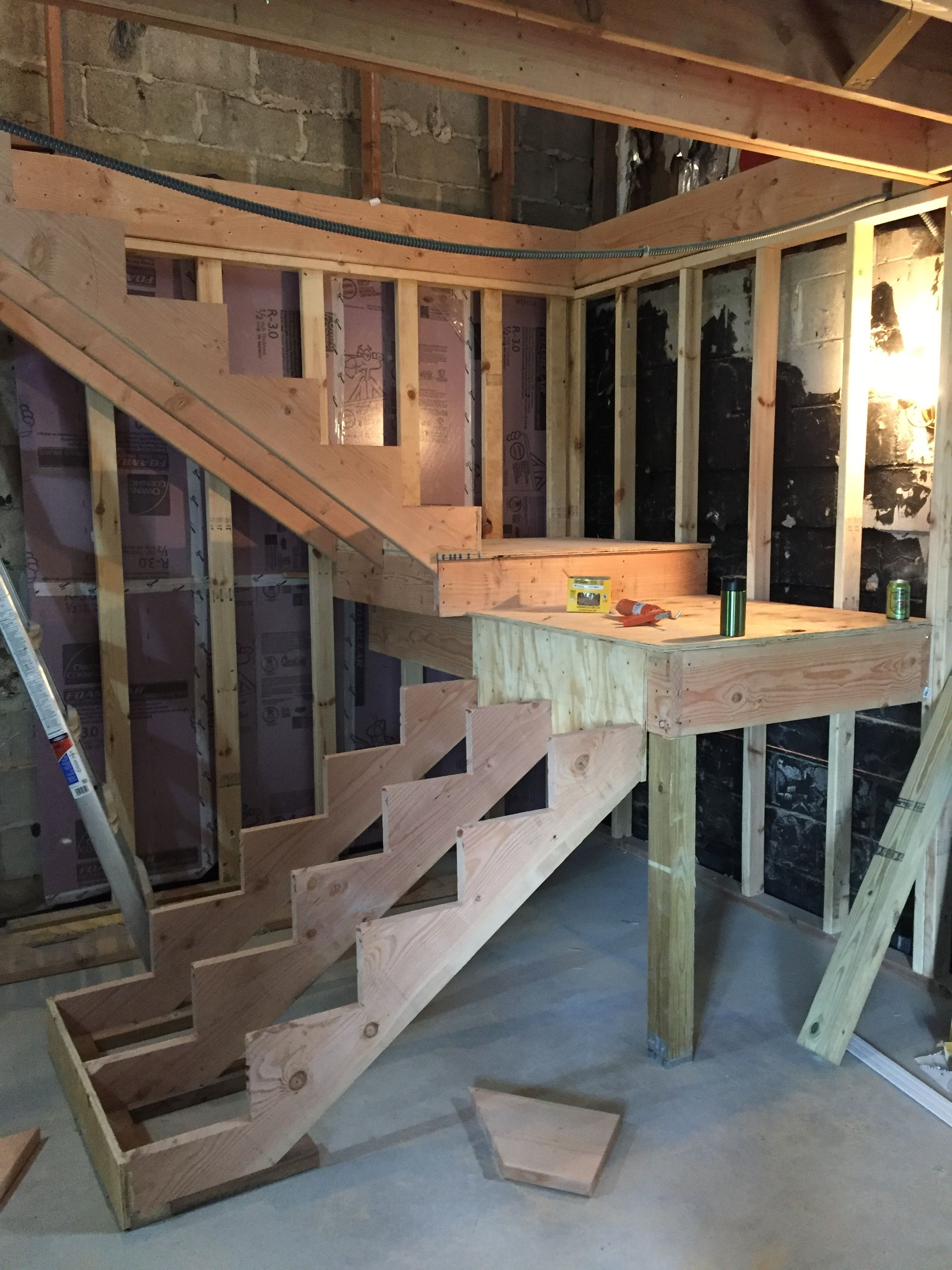 Best Stair Landings And Stringers Built And Installed Diy 640 x 480
