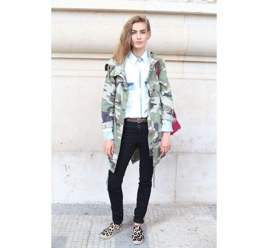Street looks à la Fashion Week haute couture de Paris, Jour 2 Le top Nadja Bender