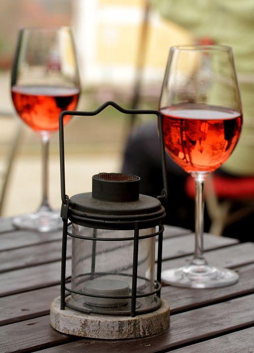 wine and autumn wind