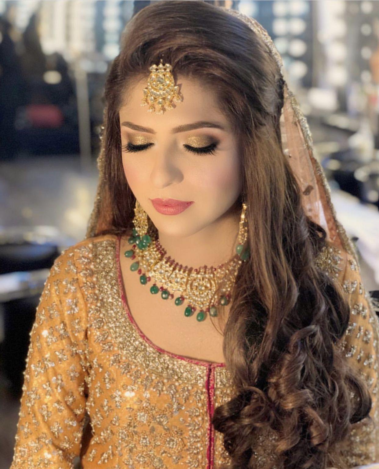 Mayun Mehndi Hairstyle Inspo For Brjde Mehndi Hairstyles Indian Hairstyles Bridal Hairdo