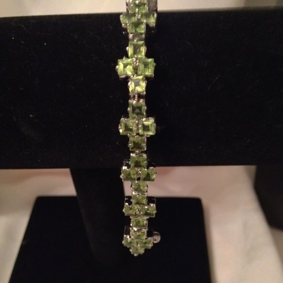 Bracelet Statement Jewelry.  Genuine peridot stones set in sterling silver, with sterling silver lock. Jewelry Bracelets