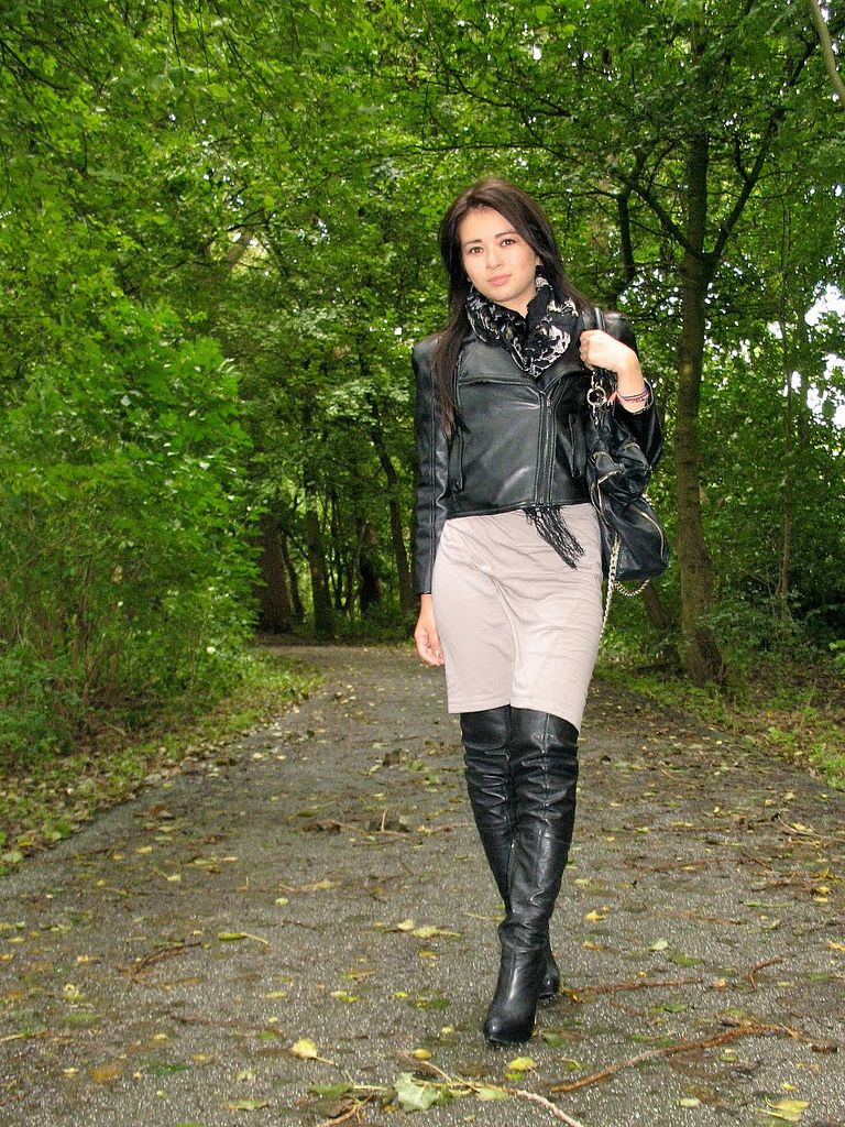 img_4611 woman wearing leather | leather fashion, leather and asian