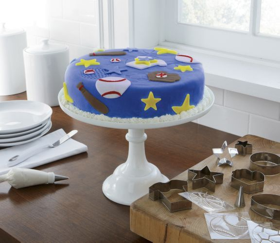 Beginner-friendly kit includes all the right tools you need to make professional-looking cakes from home! ~ www.ginnys.com