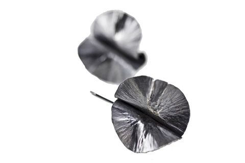 """www.ekojewelrydesign.com leaf earrings, oxidized #sterlingsilver #foldformed #earrings by #ekojewelrydesign dimensions: 1 1/2"""" x 1""""  Foldformed pieces often resemble elements found in nature, such as flowers and leaves. #style #fashion #rustic"""