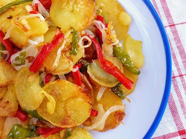 Patatas a lo pobre al estilo andaluz