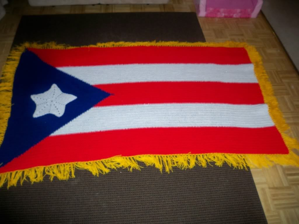 Crocheted puerto rican flag crochet