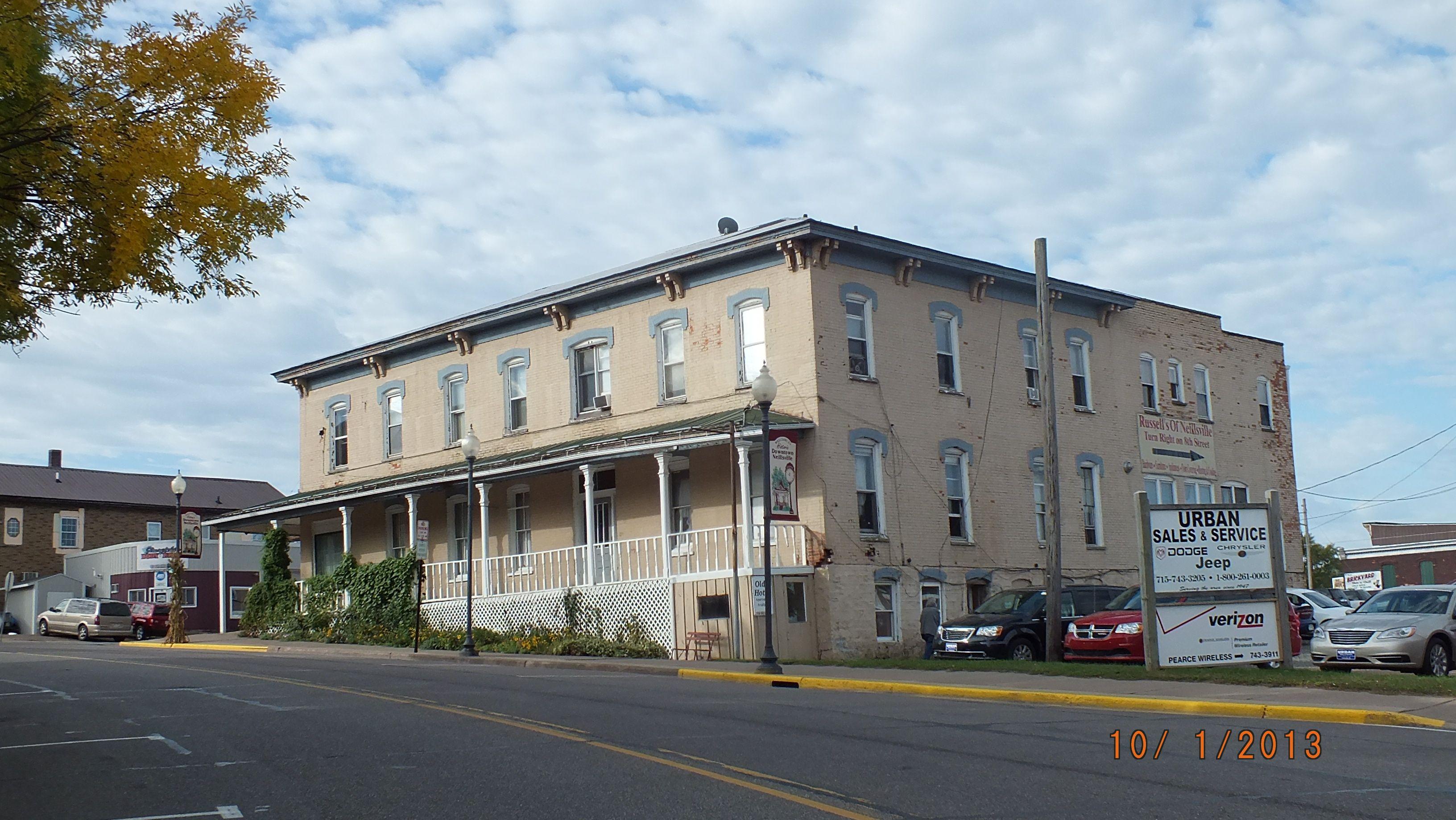 Historic Merchants Hotel Corner Of Hewett And W 7th St Neillsville