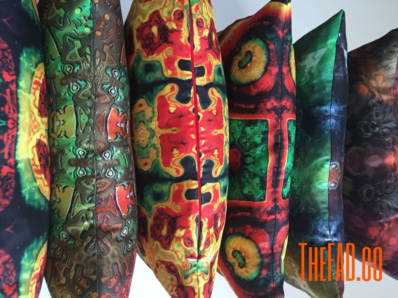 Silk Pillow by TheFAD.co http://www.zet.com/tasarimci/thefadco