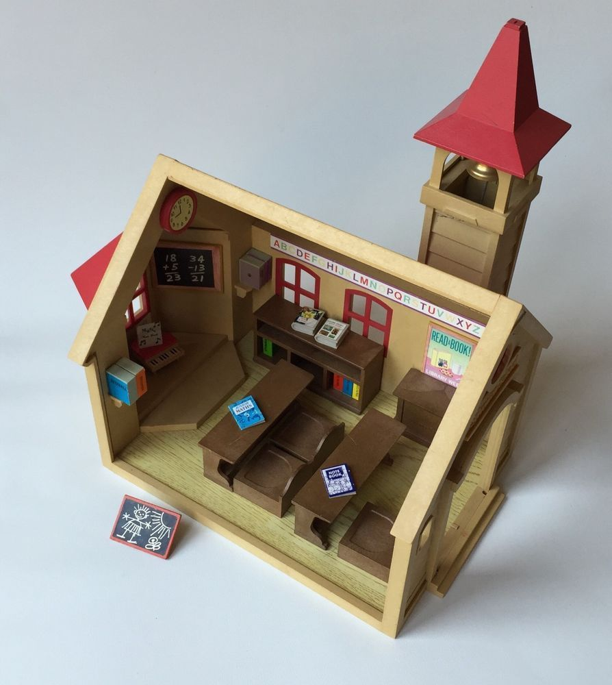 Vintage 1988 sylvanian families school house with tower