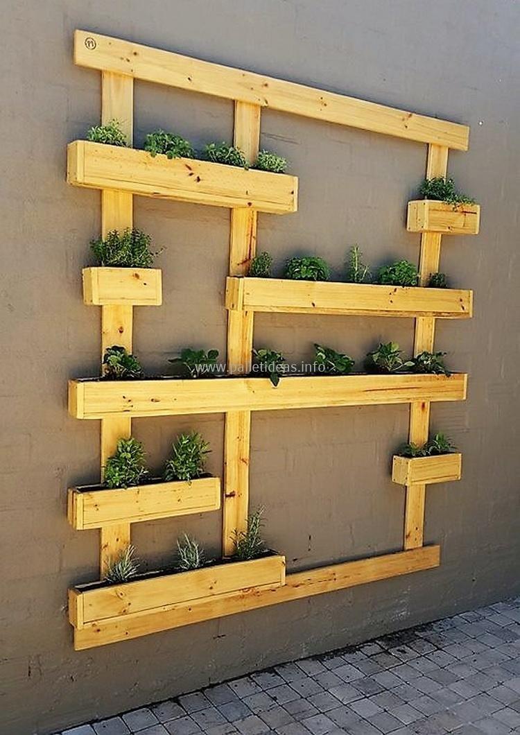 1 wood pallet wall planter | pallet ideas | Pinterest | Wood pallets ...